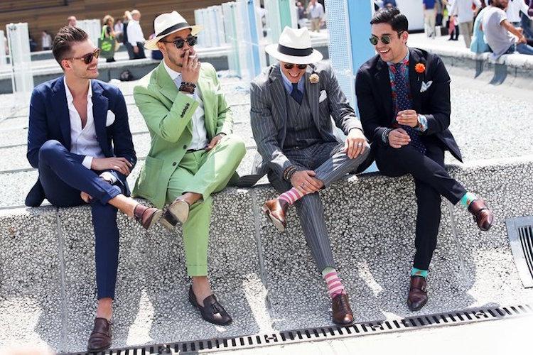 そんな「クラシコイタリア」のスーツは、重厚な装いの英国スーツとは異なり、軽やかで華があるのが特徴だ。