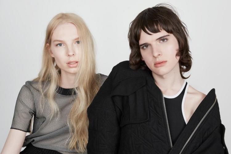 H&Mがトランスモデルを起用