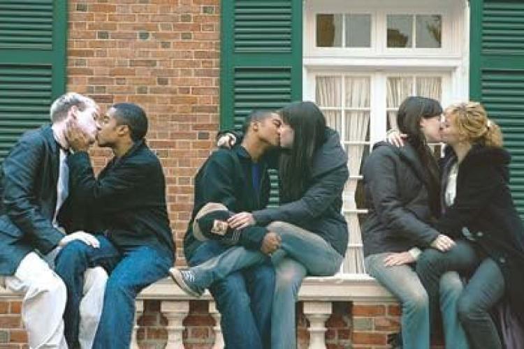 若年層の過半数はバイセクシャル