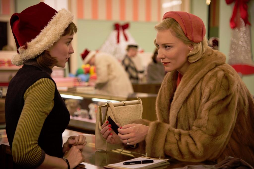 Rooney-Mara-Cate-Blanchett-in-Carol-1024x681